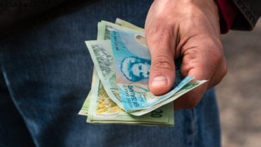f doller b 370x208 - Is it time to rethink using the banks to send money overseas from New Zealand?